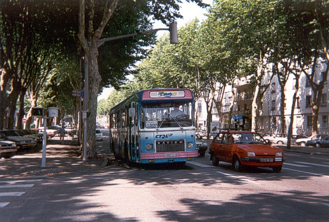 Vos Photos !  - Page 4 Lorient-sc10upf_19-surfybus-cours_de_chazelles-16aout1996-Christobal