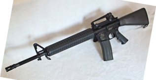 http://mapage.noos.fr/larryweb2/AIRSOFT/M16A3_08_2011/M16A3%20(11)_small.JPG