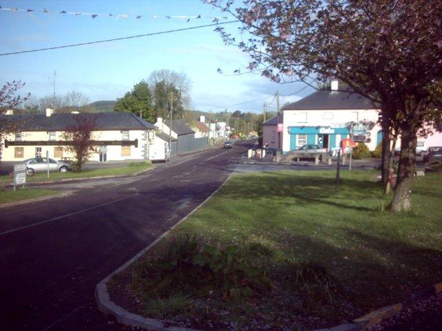 br> Collinstowncollins town