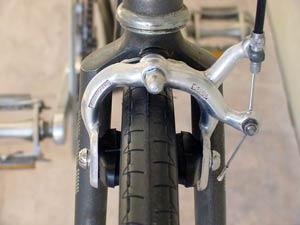 étrier à tirage latéral simple pivot