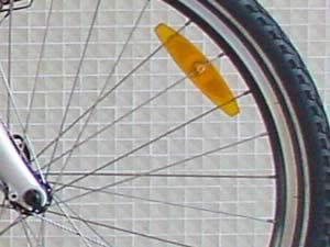 catadioptres sur rayons de la roue