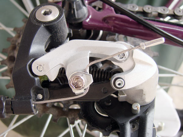 ancrage alternatif câble dérailleur arrière Shimano